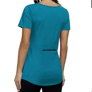 NWT Kimmery Zipper Pocket Workout Tee - M